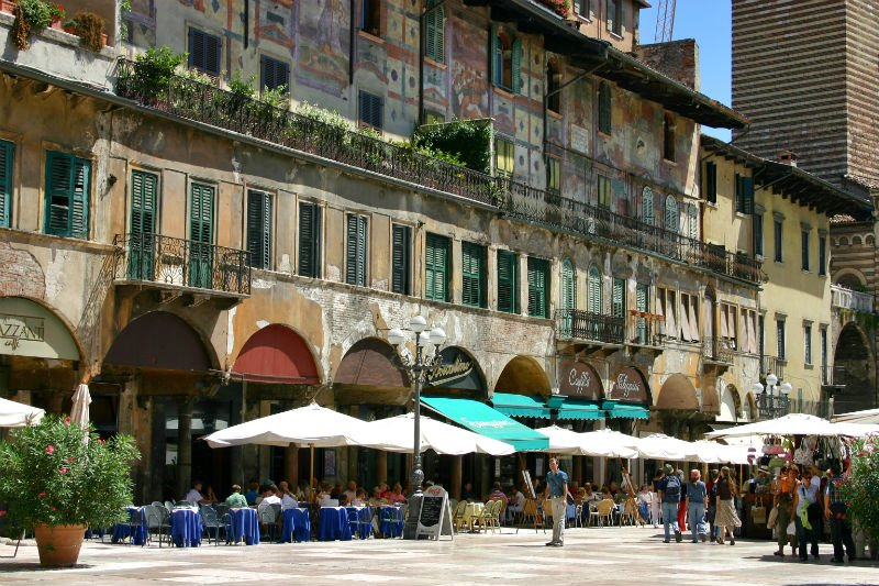 5 things to do in Verona - Piazza delle erbe