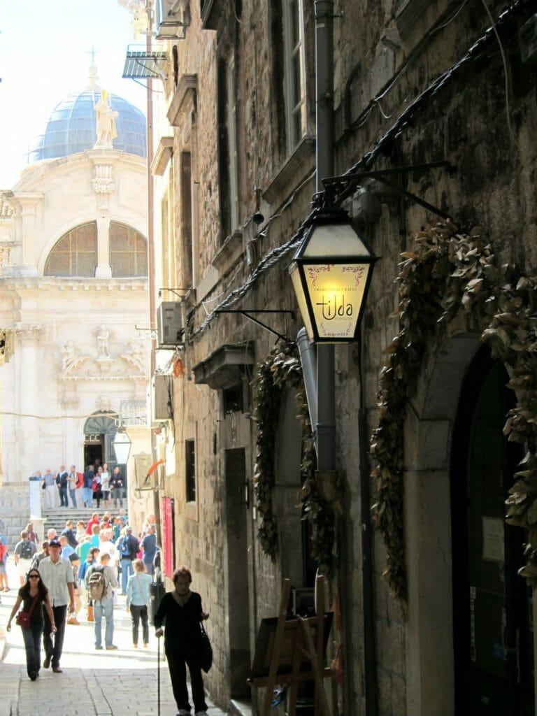 Photo essay Dubrovnik - side alleys