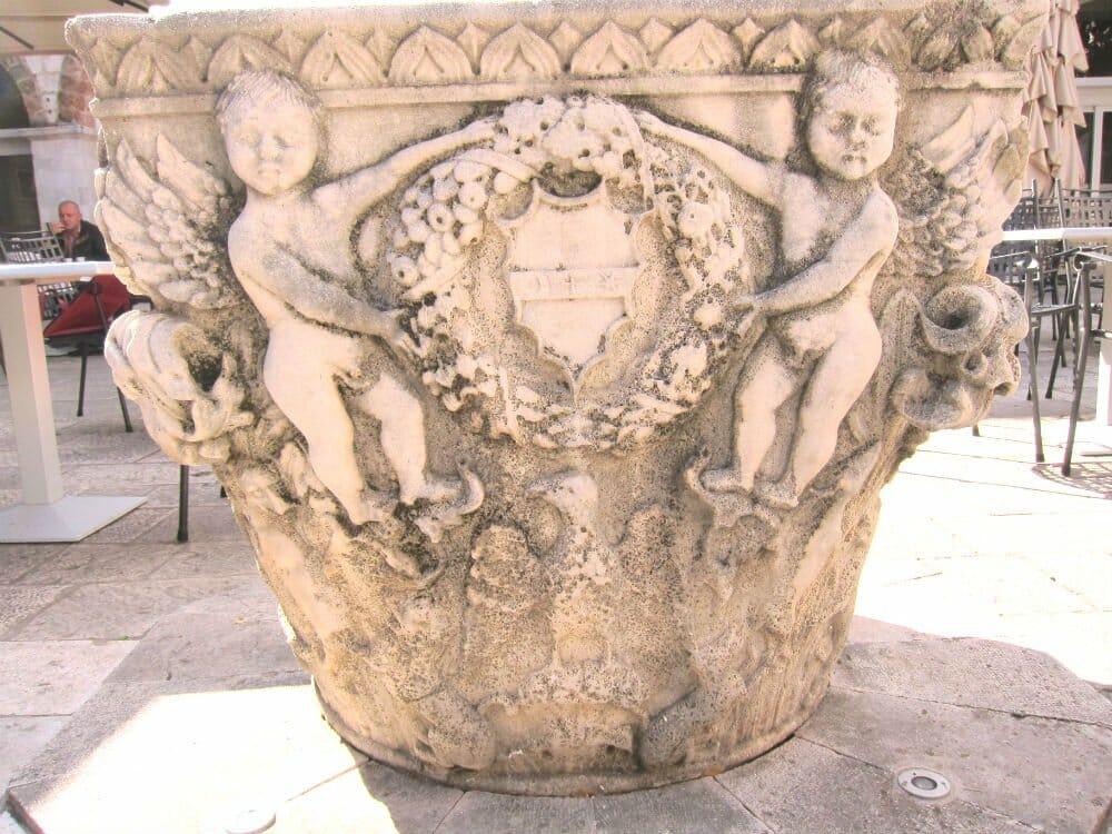 Photo essay Dubrovnik - stone structures