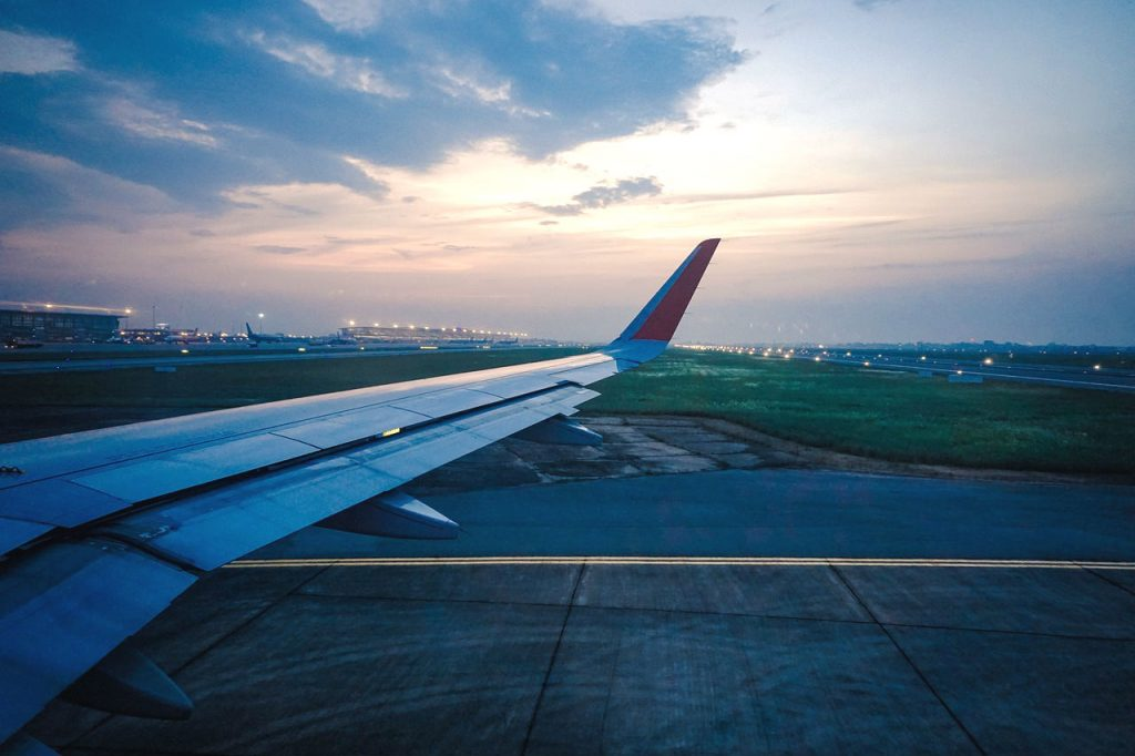 The essential guide on how to enjoy a work trip abroad - business class flight