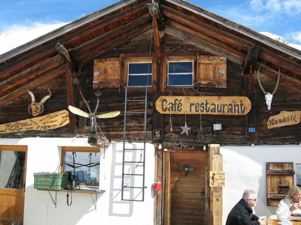 Guaranteed white Christmas - Verbier Cafe