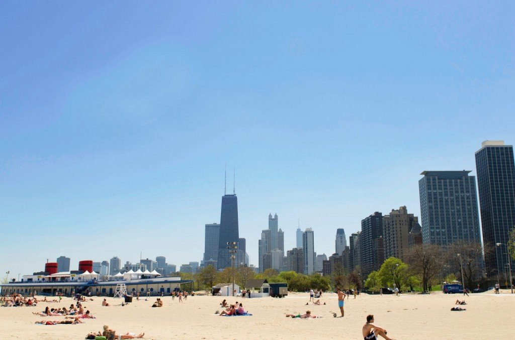 Weekend in Chicago: the beach at the end of the Magnificent Mile