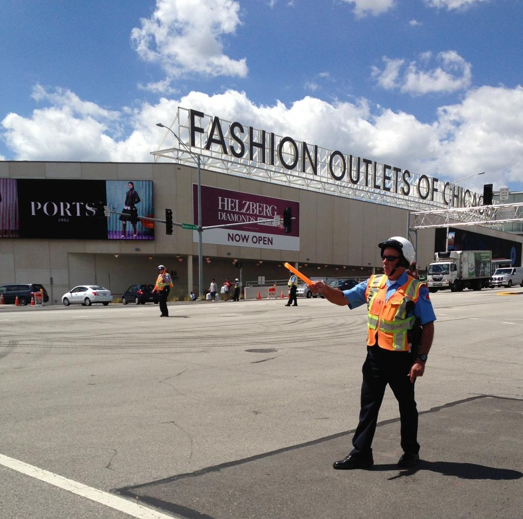 2 days in Chicago - Fashion Outlets of Chicago is right by the airport