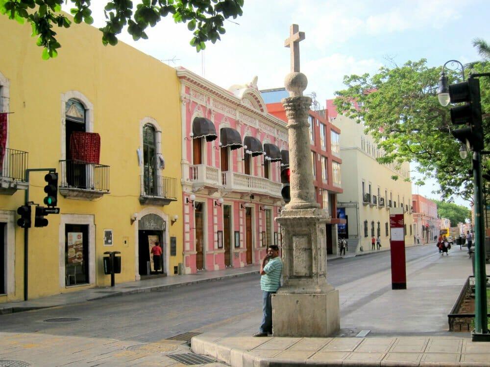 Discovering Merida - streets