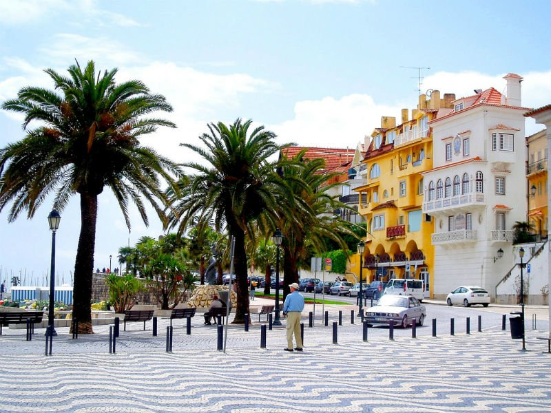 simple guide to Lisbon - Cascais