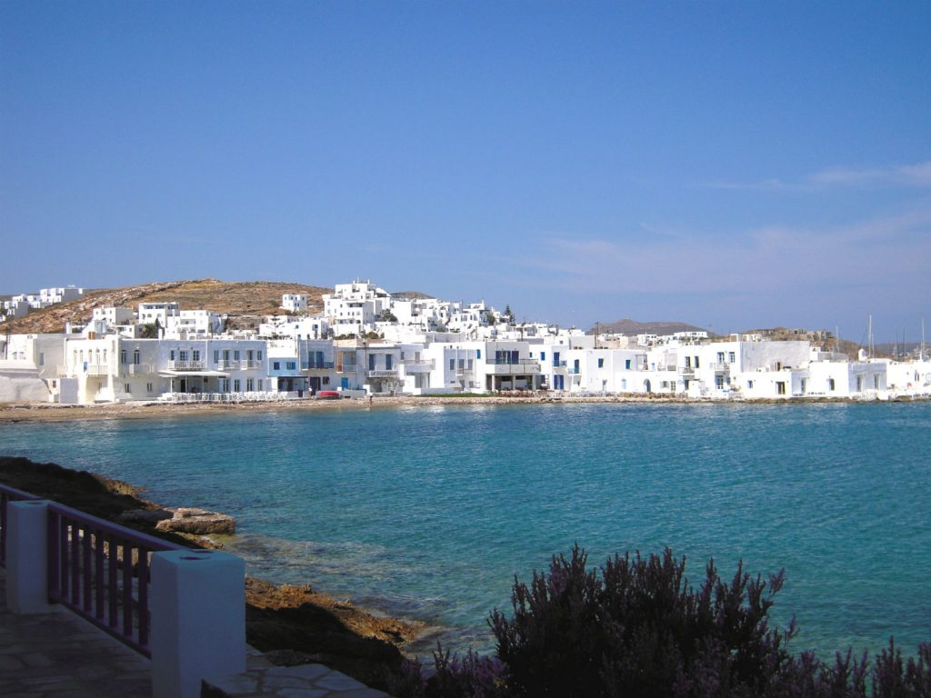 How to have a budget holiday in Paros 2