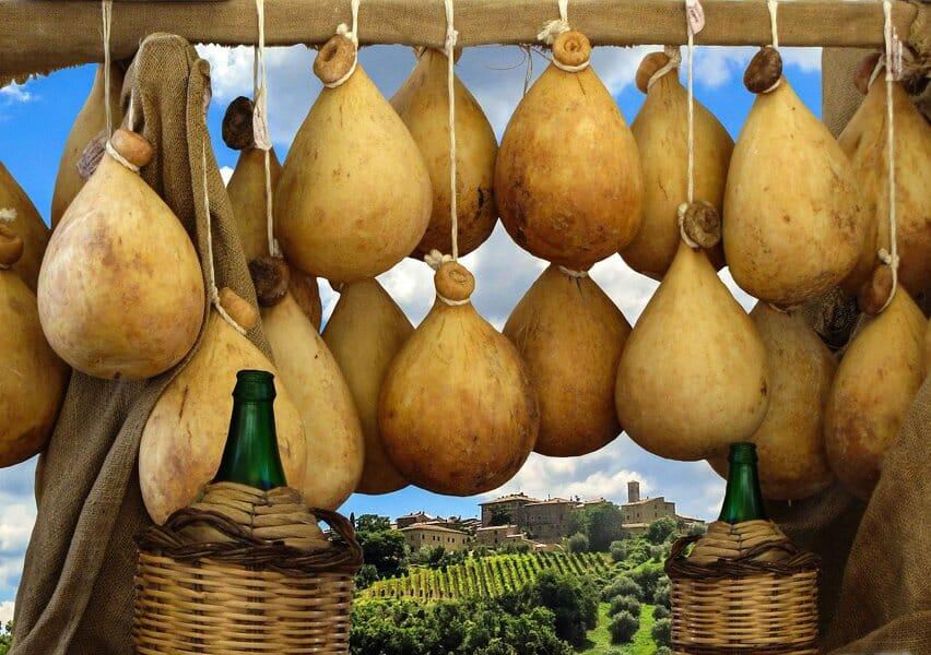 Cheeses to eat in Sardinia - Casizolu
