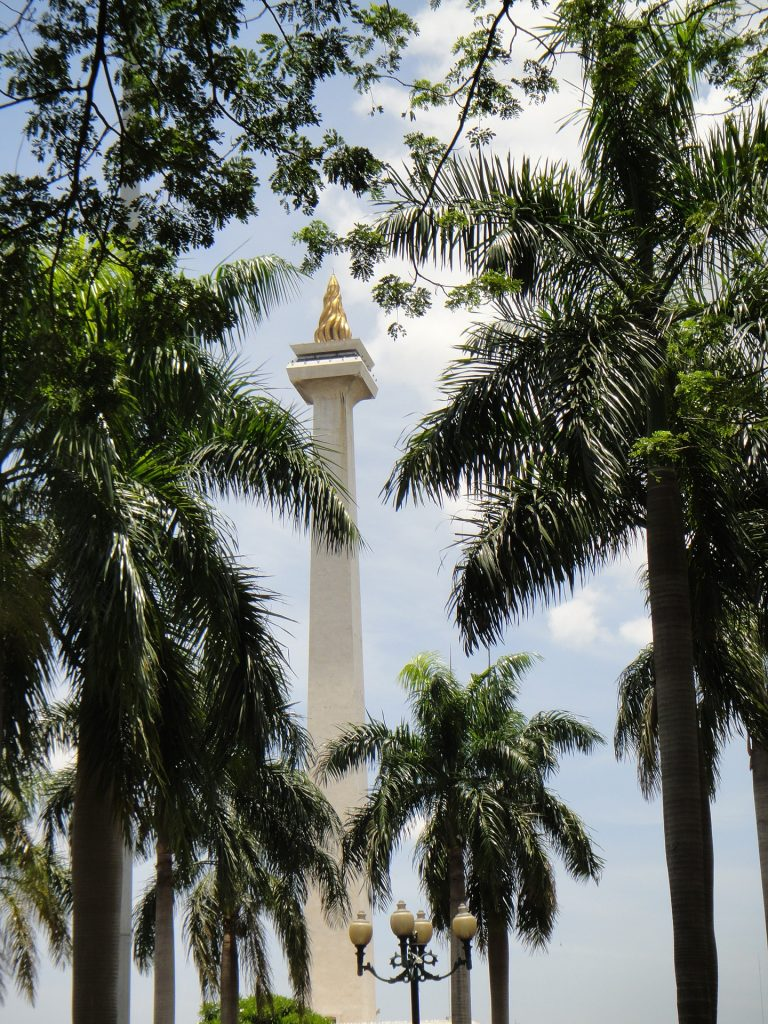 How should you dress in a Muslim country: National Monument of Indonesia