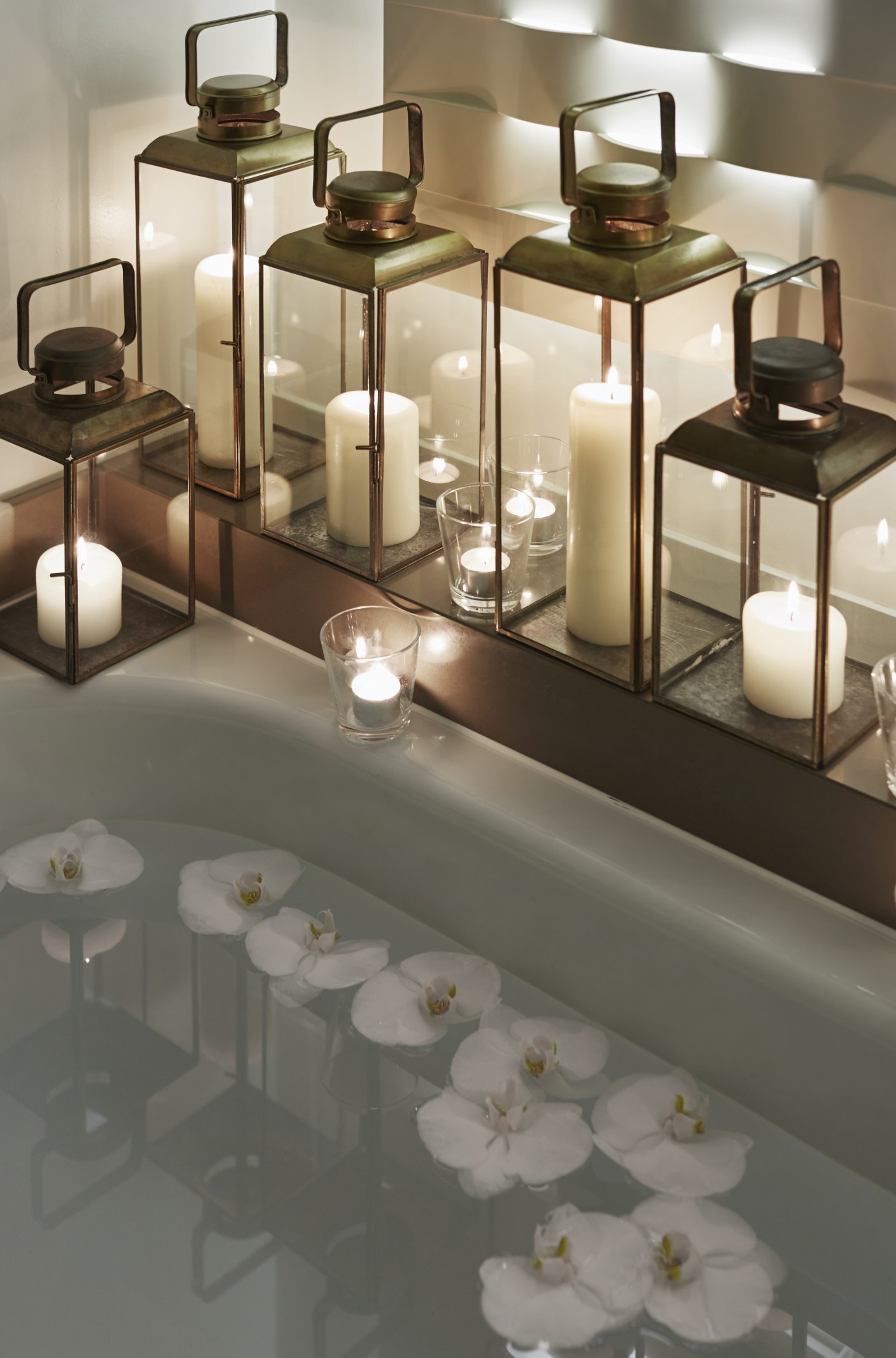 luxury couples spa packages London Valentine's Day: COMO Metropolitan London: candles and more