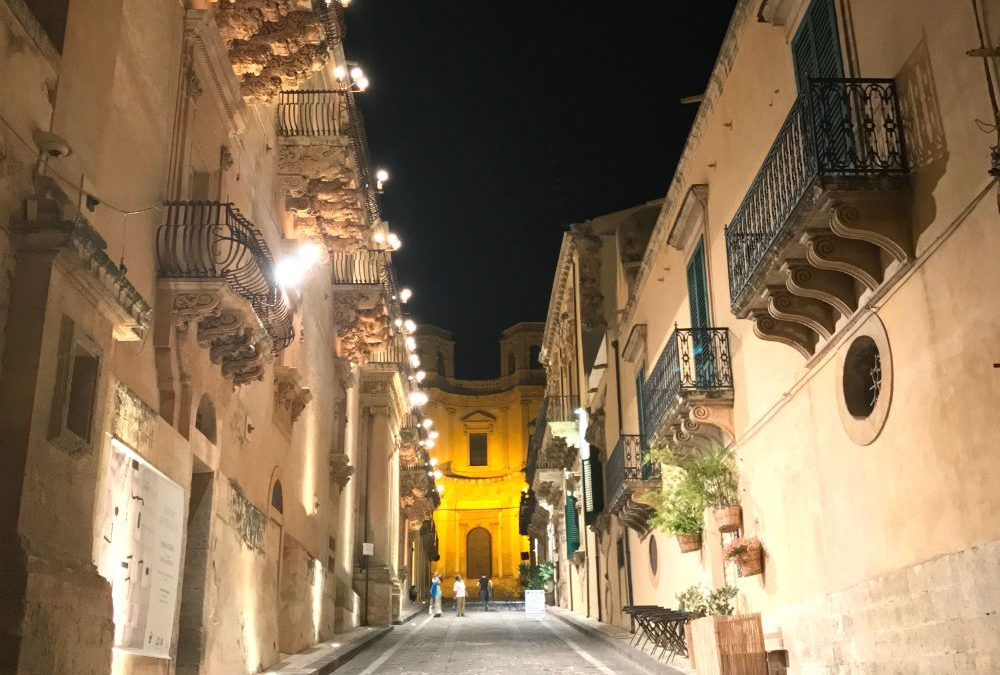 Where to find Sicilian baroque architecture in Noto