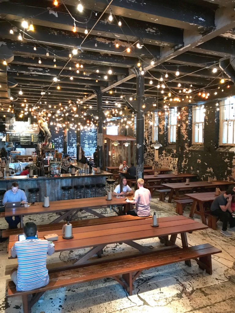 Where to eat in West Randolph Street, Fulton Market District, Chicago - Green street smoked meats inside