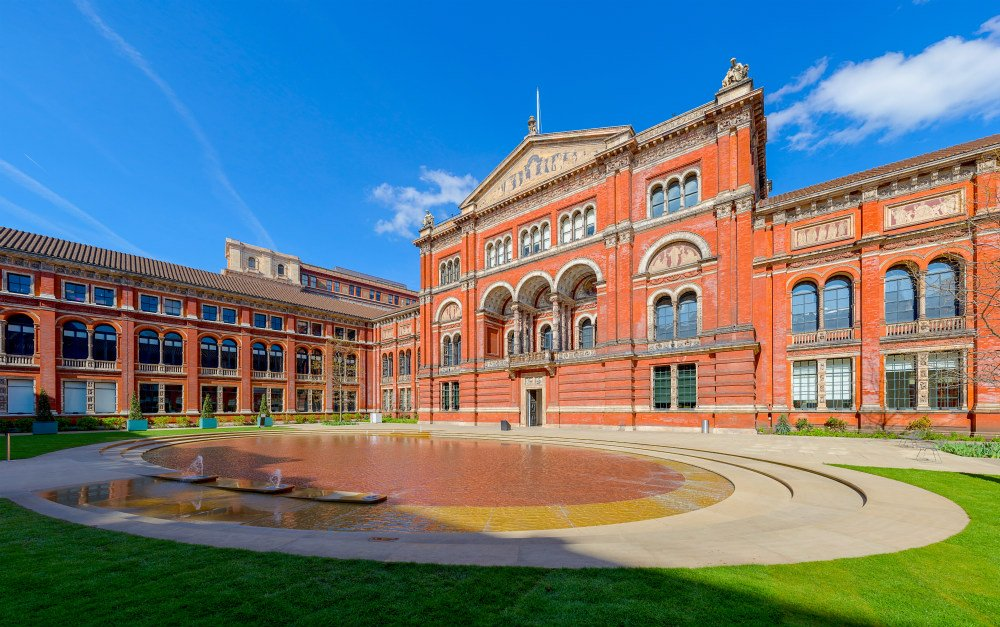 The V&A Museum in London — 10 good reasons to visit