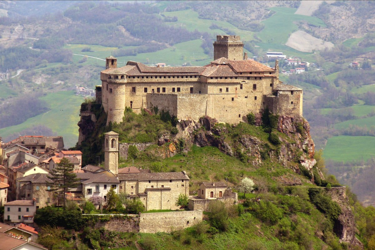 Halloween in Italy | 7 most haunted castles and palaces 2