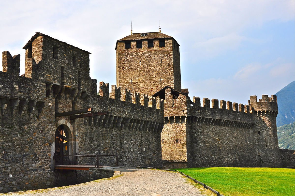 Castello Halloween.Halloween In Italy The Most Haunted Italian Castles