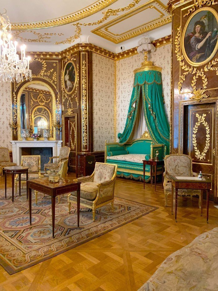 Warsaw Royal Palace bedroom - things to do in Warsaw
