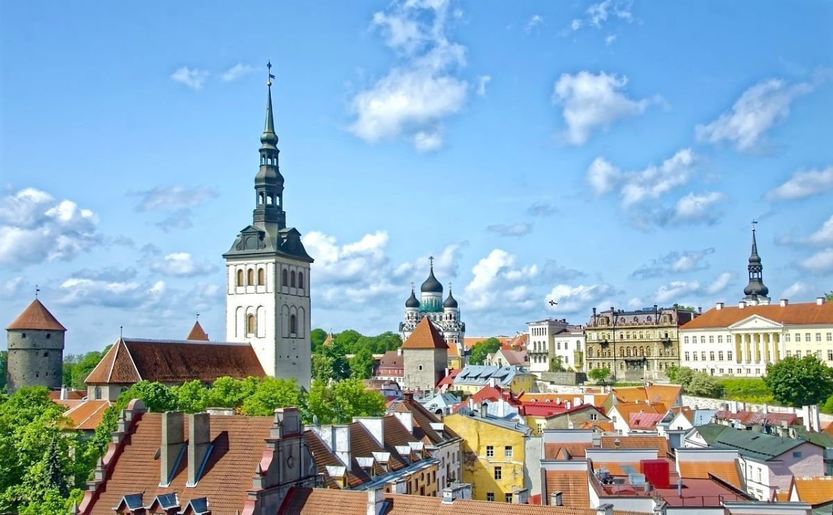 Travel tips on visiting Tallinn - Tallinn landscape and rooftops