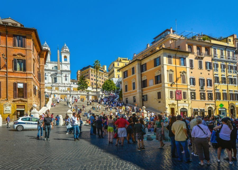 Traveling as a woman of color in Italy | 8 things to keep in mind 8