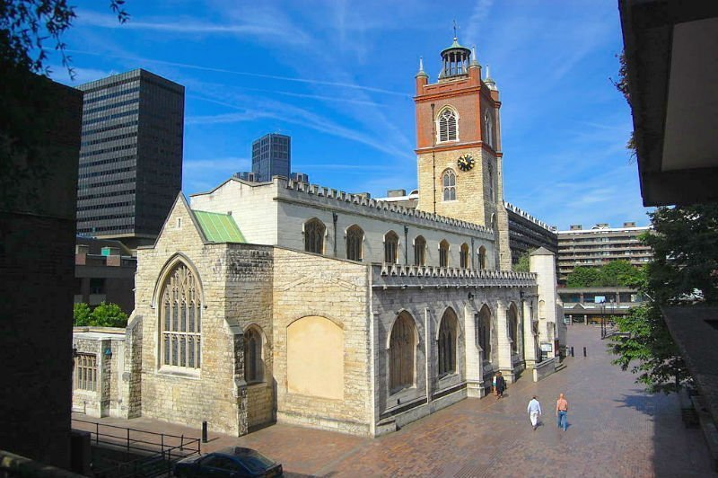 must see London attractions - St Giles without Cripplegate