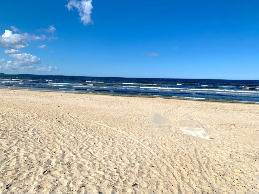 4 easy beach day trips from Tallinn — under 1 hour from the city 4
