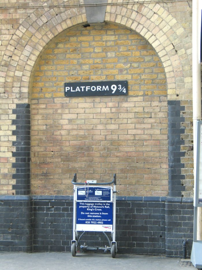 Platform 9 3/4 at St Pancras Station