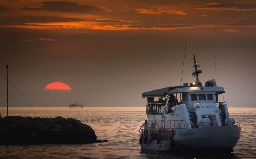Sunset over Manila Bay - Philippines 2 week itinerary