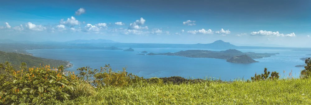 Taal Lake and scenery - 2 weeks in the Philippines