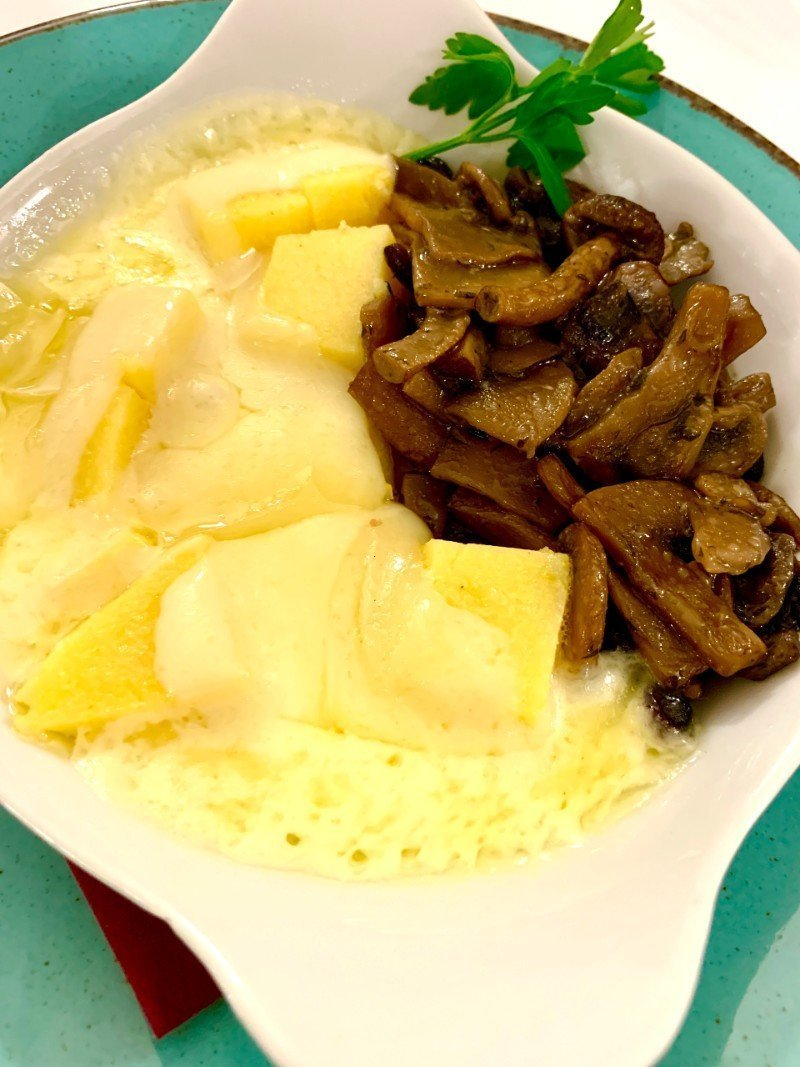 Polenta con funghi e asiago - Italian comfort foods