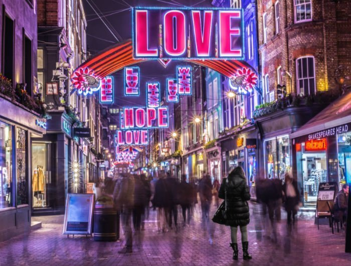 15 dazzling places to see the Christmas lights in London 4