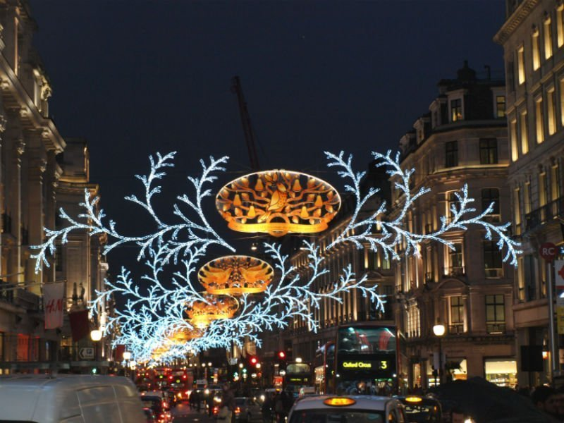 15 dazzling places to see the Christmas lights in London 3