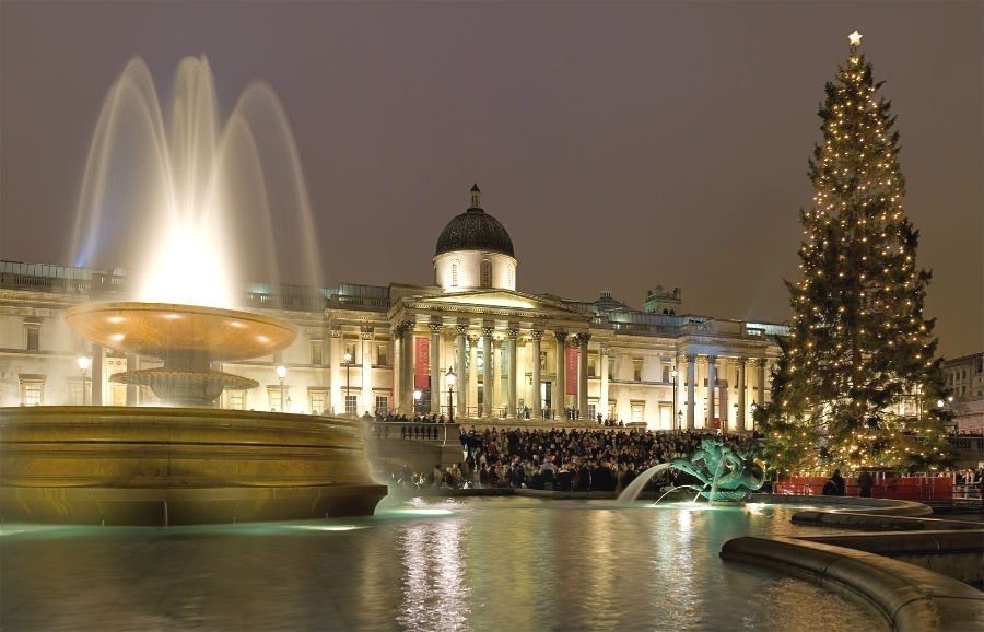 15 dazzling places to see the Christmas lights in London 8