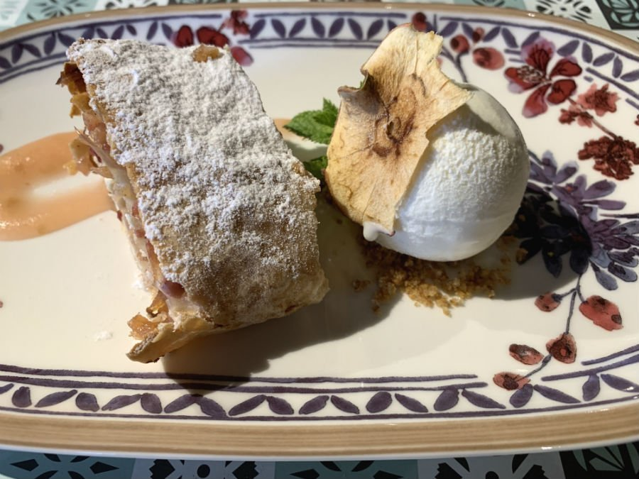 Apple strudel and ice cream — traditional Slovenian food