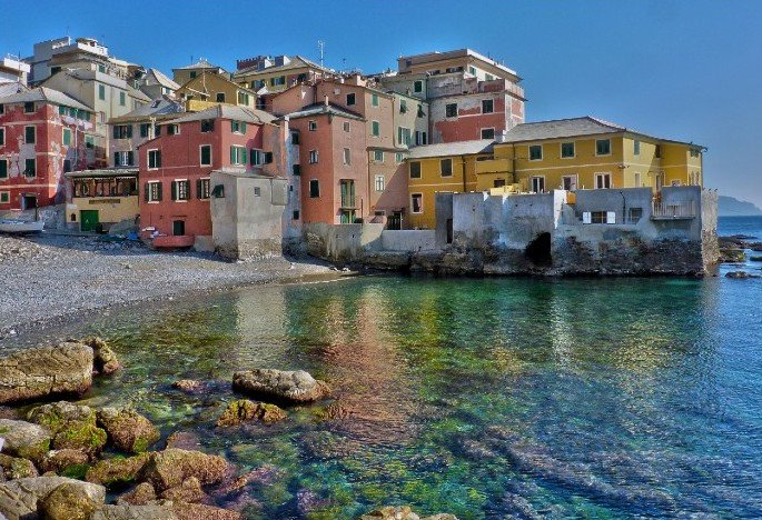 Boccadasse houses and water — Genoa Italy beaches