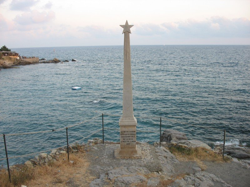 Commemorative statue of Garibaldi's departure
