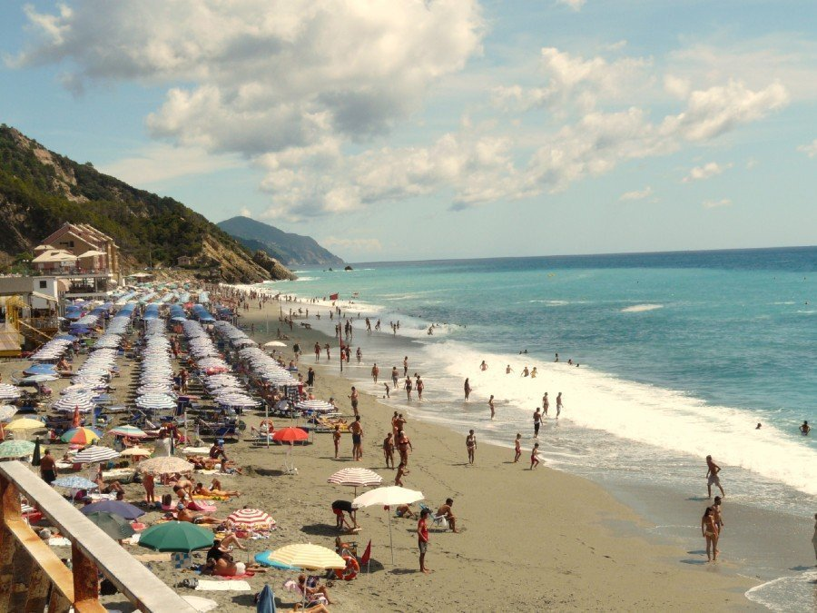 30 sizzling beaches to visit in Genoa 6