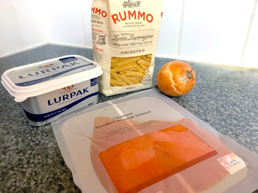 Creamy smoked salmon penne in less than 15 minutes 2