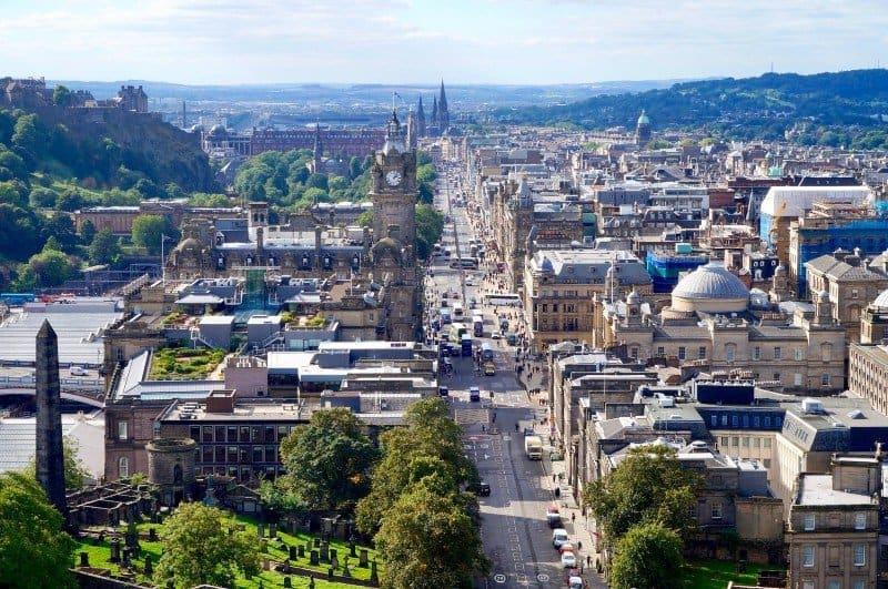 Edinburgh bird's eye view - Edinburgh city breaks