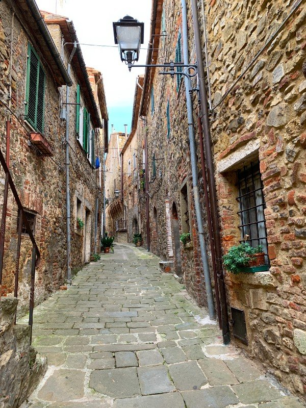 Alleyway of Montemerano - a village in Tuscany