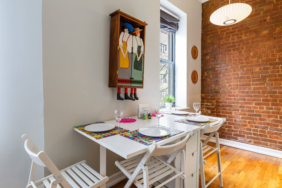 Dining table in NYC Airbnb