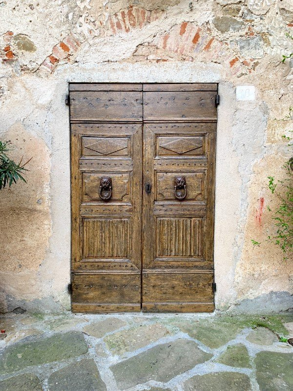 Door in Montemerano - a village in Tuscany