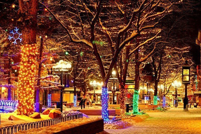 Boulder Christmas lights — places to visit in Colorado in the winter