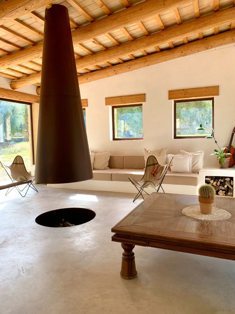Clubhouse lounge room - glamping in Sicily