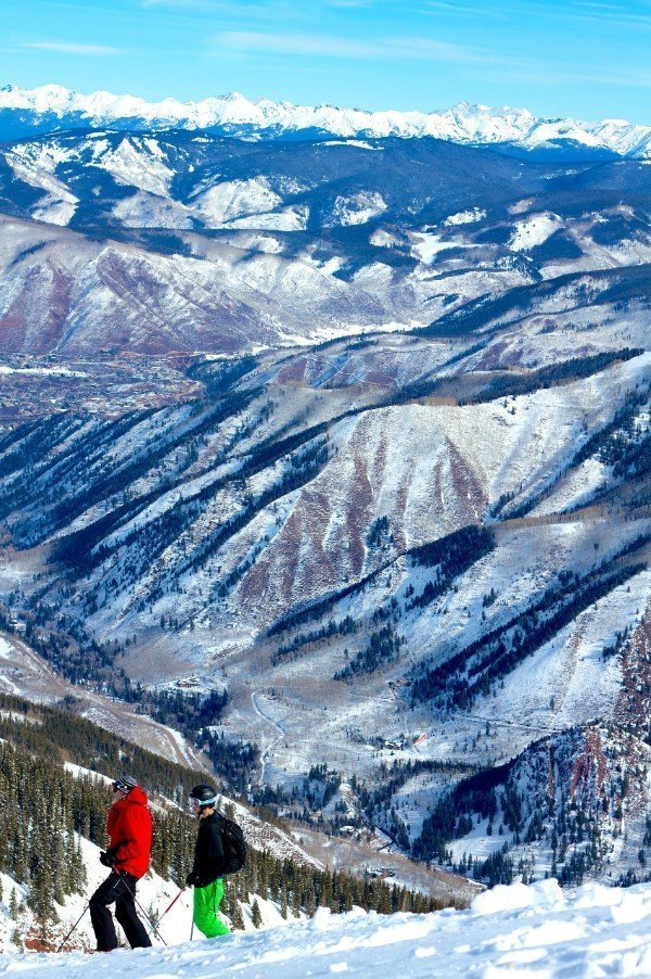 Skiers on Aspen mountain — places to visit in Colorado in the winter