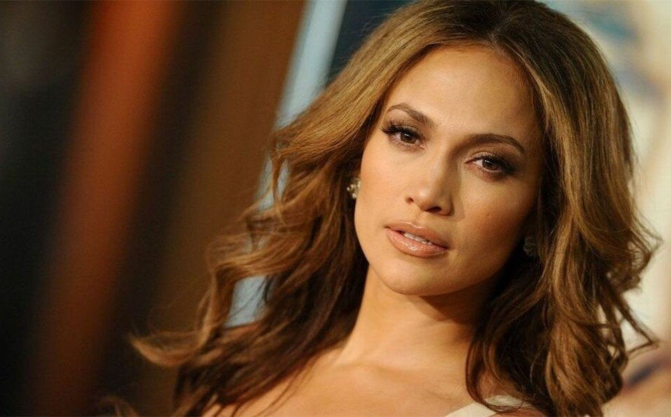 Jennifer Lopez skincare routine | 11 essential products