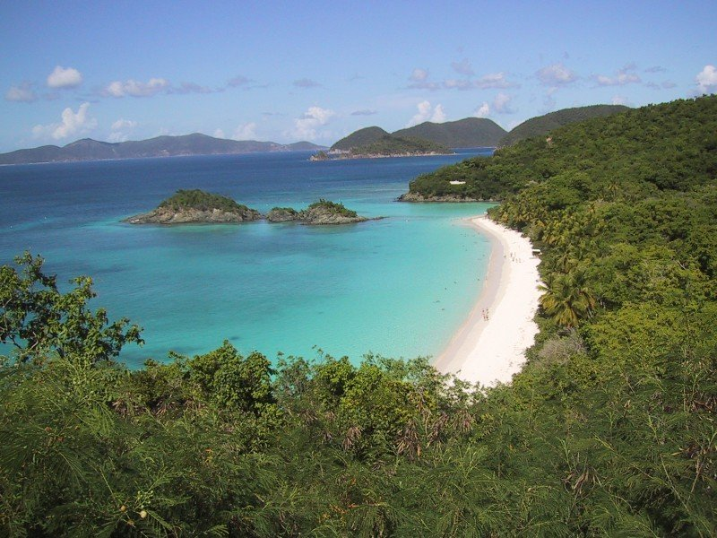 St John Trunk Bay - warm places to visit in February in USA